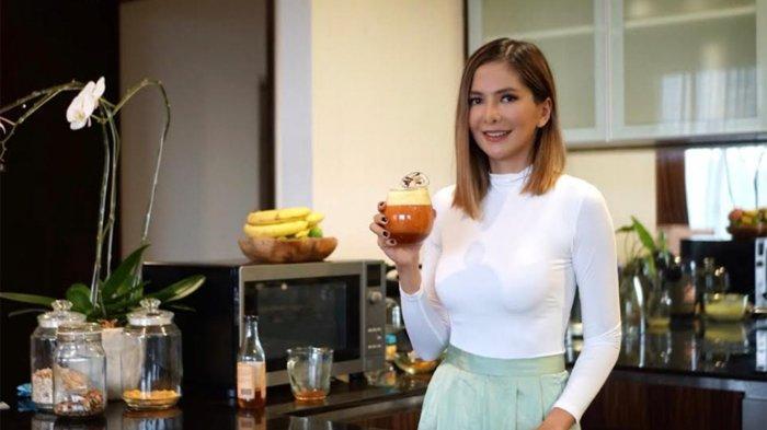 Penyuka Dalgona Yuk Coba Resep Dalgona Kunyit Racikan Chef Cantik Ini, Pas untuk Jaga Imun Tubuh